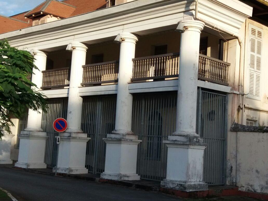 Mon opposition aux grilles installées sur l'hôtel de préfecture de Cayenne